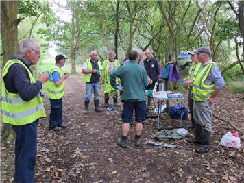 A well earned break! - Joint Task with Eastleigh Ramblers